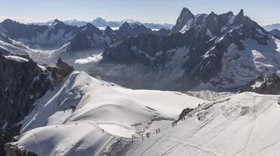 СМИ: При крушении самолёта во Французских Альпах погибли два человека