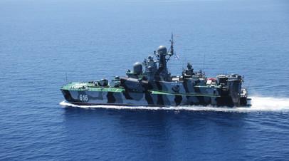 Ракетный корабль на воздушной подушке (РКВП)»Самум» во время совместных военных учений России и Китая в Средиземном море «Морское взаимодействие - 2015»