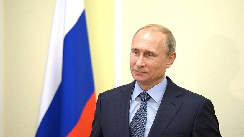 Путин поздравил работников нефтегазовой отрасли с профессиональным праздником