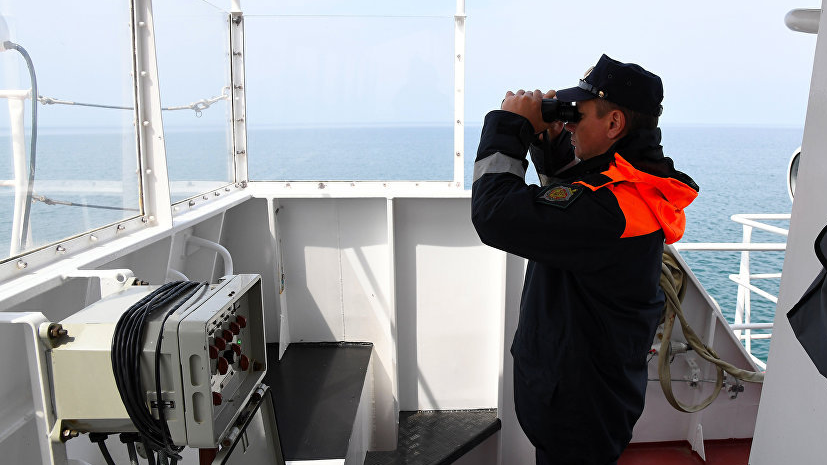 В Керченском проливе обнаружили плот с потерпевшим бедствие экипажем буксира