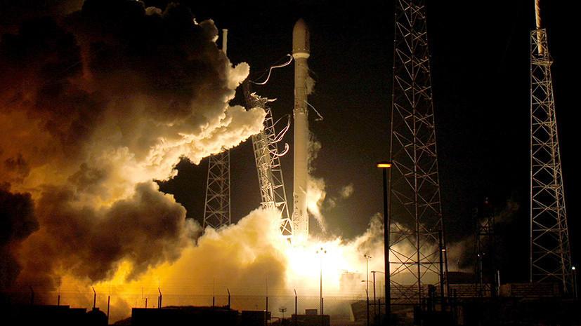 Ракета Falcon 9 со спутником Telstar 18V стартовала с космодрома во Флориде