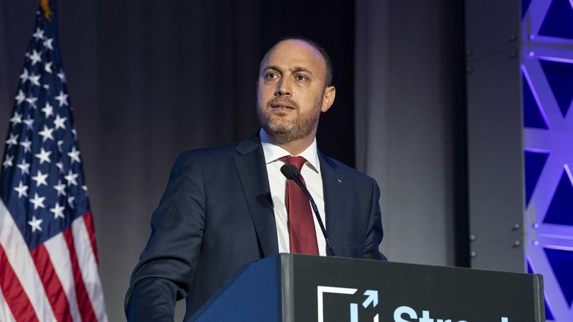 Власти США попросили членов семьи посла Палестины покинуть страну