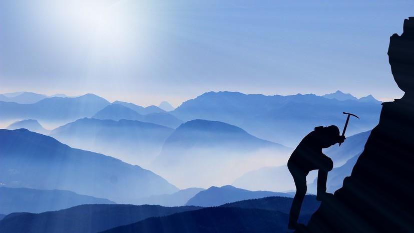 В горах Черногории погиб российский альпинист