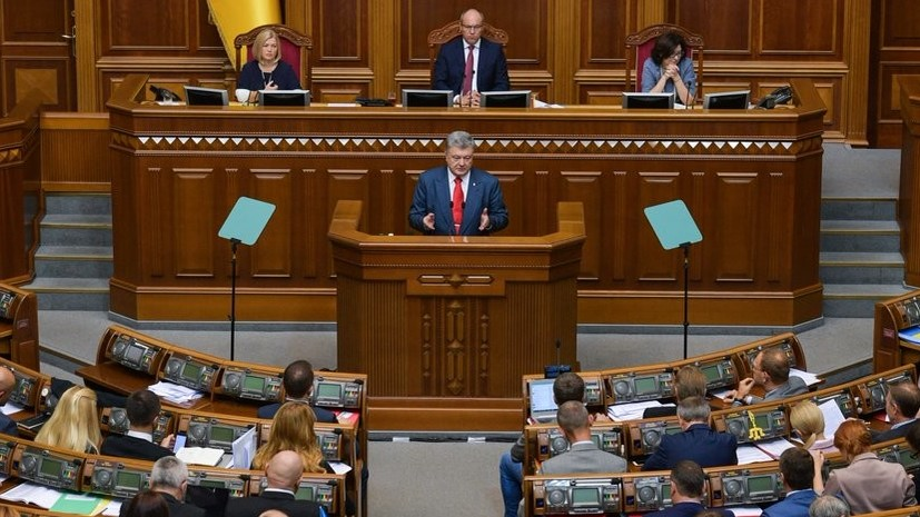 Порошенко потребовал от Минобороны скорейшего перехода на стандарты НАТО
