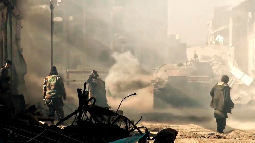 СМИ проинформировали о выводе коалицией боевиковИГ вСирии