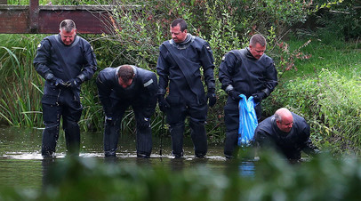 Сотрудники британской полиции в Солсбери