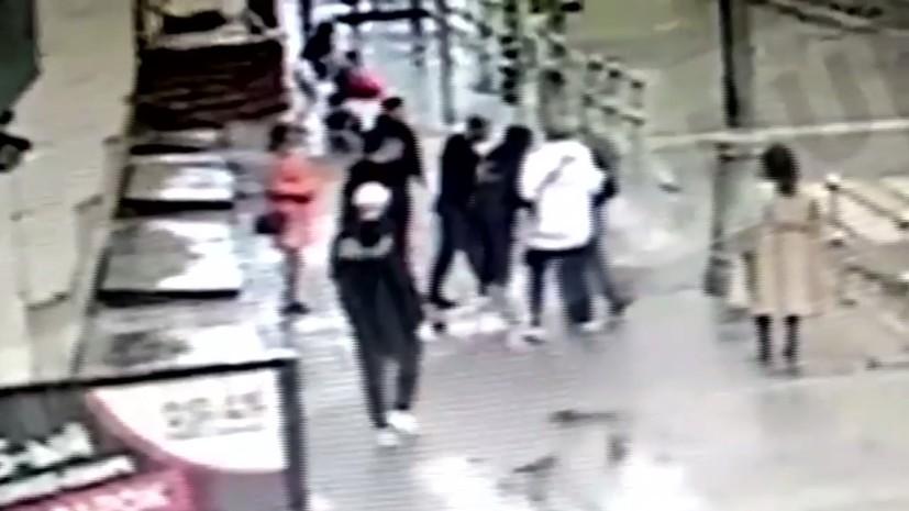 Появилось видео драки с участием Кокорина и Мамаева перед нападением на чиновника