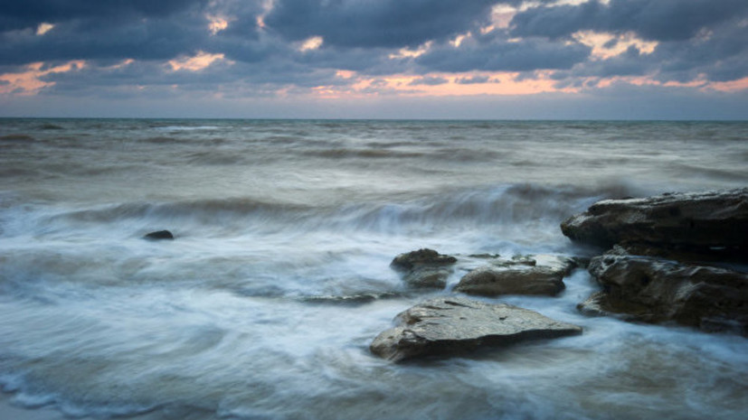 Сухогруз получил трещину у побережья Крыма