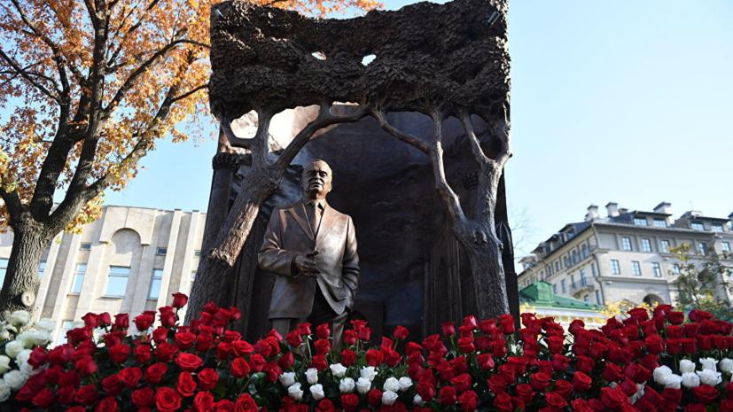 Мирзиёев поблагодарил Путина за памятник первому президенту Узбекистана в Москве