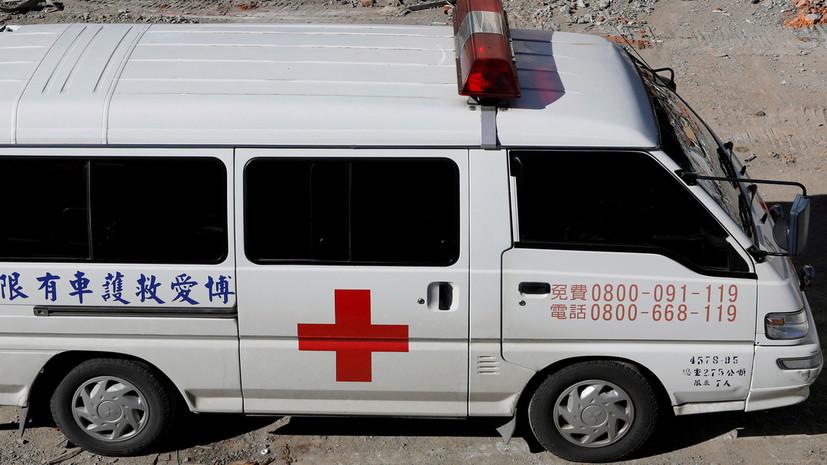 Число пострадавших при сходе поезда с рельсов на Тайване превысило 120