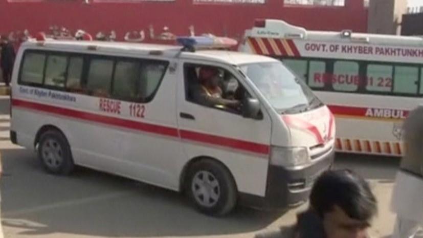 В Пакистане 19 человек погибли при столкновении двух автобусов