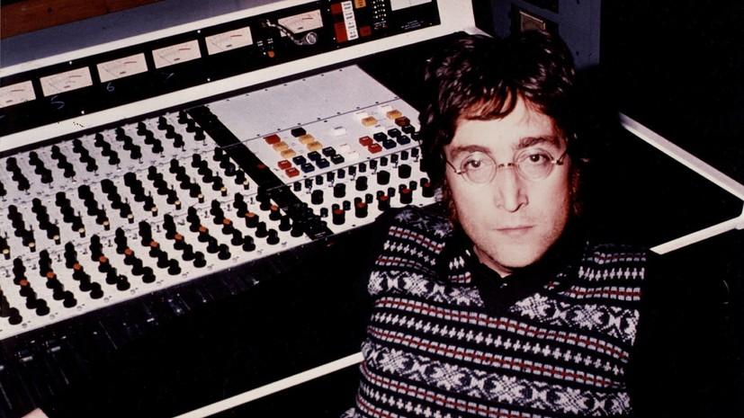 СМИ сообщили о планах Universal Pictures снять фильм о Ленноне