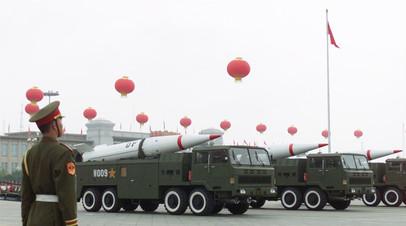 «Дунфэн» — китайская двухступенчатая твёрдотопливная баллистическая ракета средней дальности мобильного базирования