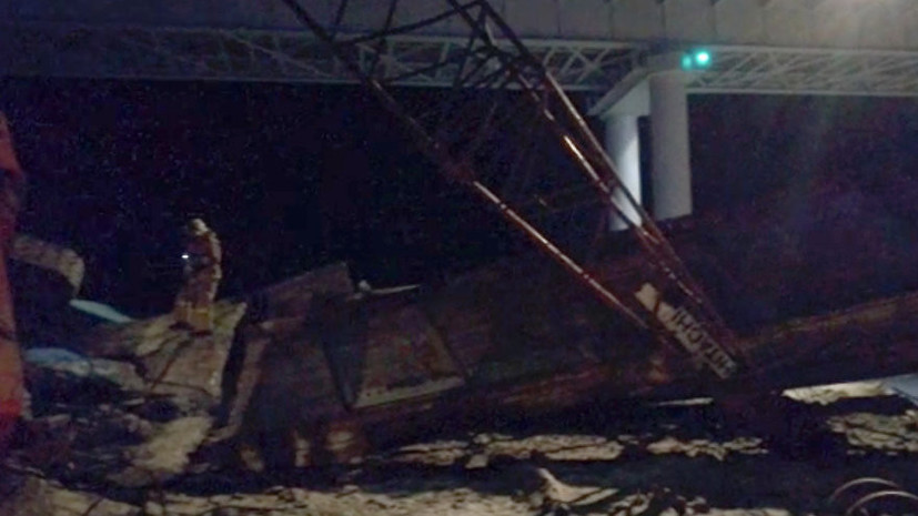 Источник: при обрушении моста в ХМАО погибли два человека и семь пострадали