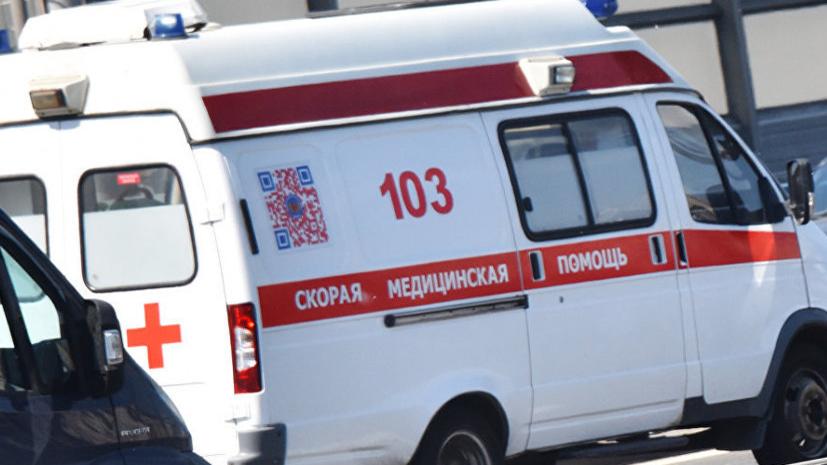 Пассажирский автобус опрокинулся и упал в кювет в Волгоградской области