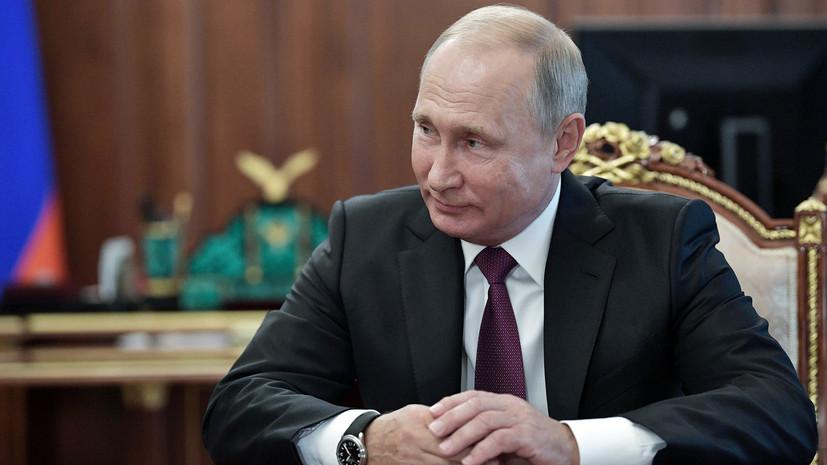 Путин поздравил Пахмутову с днём рождения