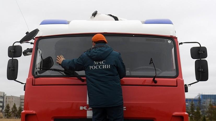 В Ленинградской области в результате пожара в здании шиномонтажа погибли четыре человека
