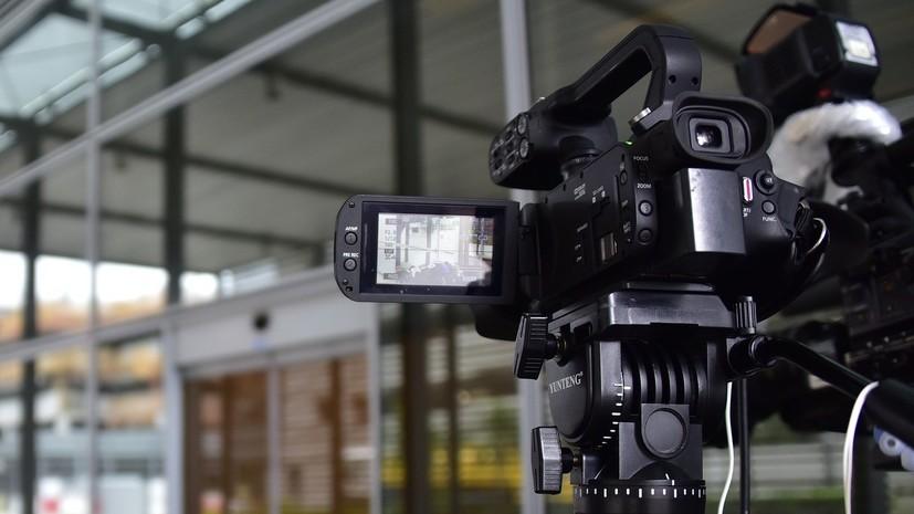 В Киеве радикалы напали на журналиста канала NewsOne