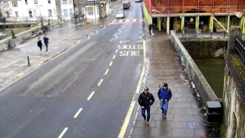 Скотленд-Ярд опубликовал новые видео с «подозреваемыми» по делу Скрипалей