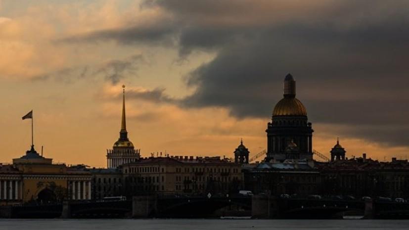 Выставка работ мировых модельеров открывается в Петербурге