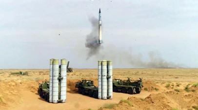 Пуск ракеты С-400 на полигоне Капустин Яр в Астраханской области