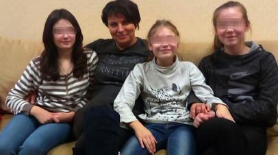Оговорившим приёмных родителей девочкам не позволяют вернуться домой из детдома