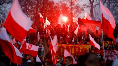 Шествие в Варшаве в День независимости Польши