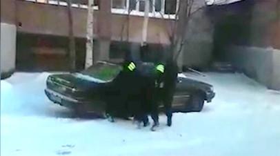 ФСБ задержала в Томской области собиравших через Telegram деньги для ИГ