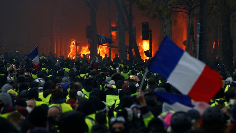 Корреспондент RT и стрингер Ruptly пострадали в ходе протестов в Париже