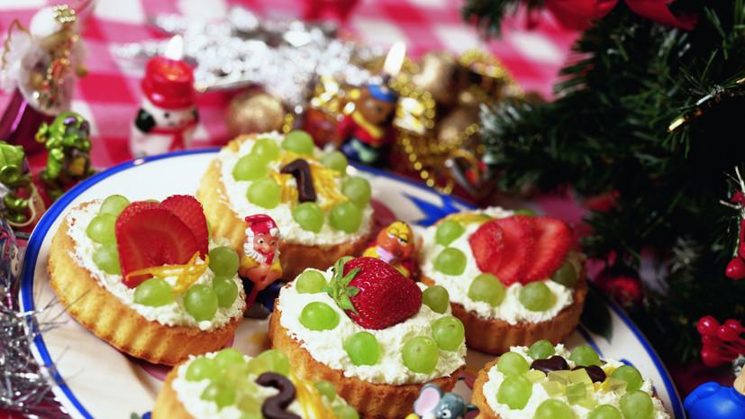 В Минздраве призвали не ограничивать себя в еде в новогоднюю ночь