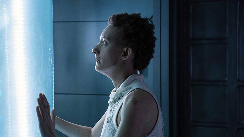 «Психо» в космосе, австралийские сирены и Малкович в роли Пуаро: пять новых сериалов декабря