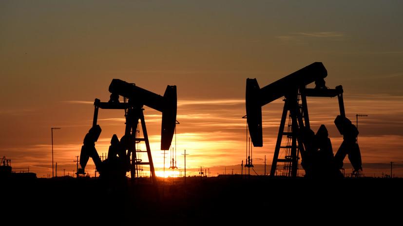 Комитет ОПЕК+ рекомендовал сократить добычу нефти