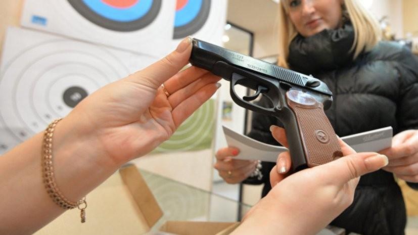 Сенаторы внесли в Госдуму проект о повышении возраста покупки оружия