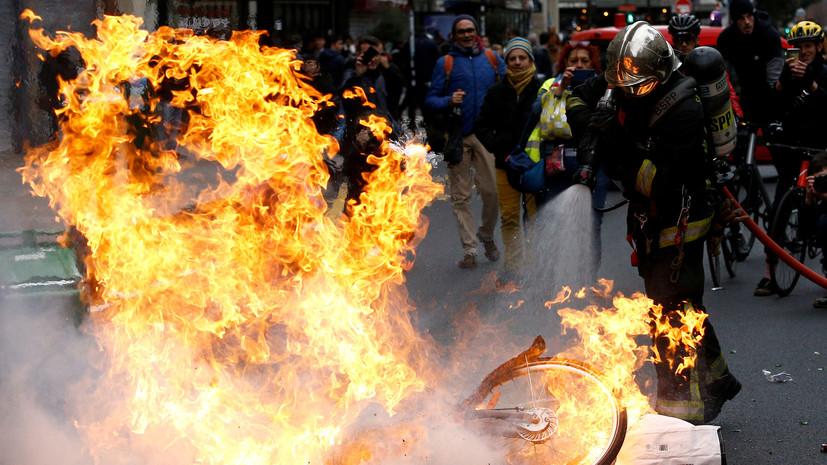 В Совфеде ответили на обвинения Киева в организации протестов во Франции