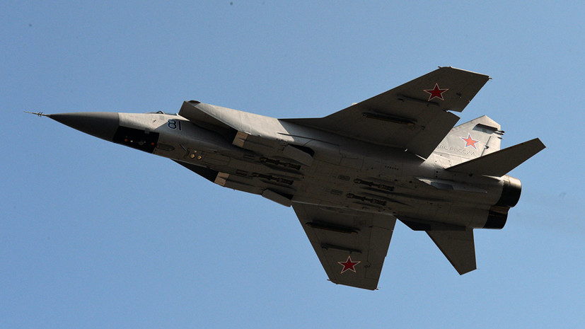 Два МиГ-31 перехватили условную крылатую ракету в небе над Пермским краем