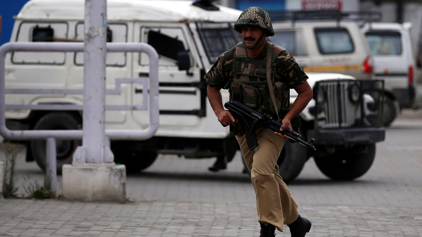 В Индии задержали трёх человек из-за отравления во время церемонии в храме