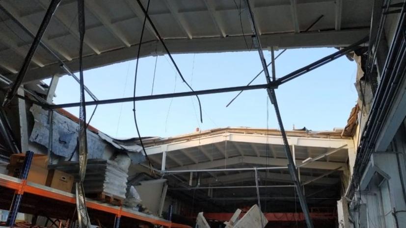 СК назвал возможную причину обрушения кровли здания в Дзержинском
