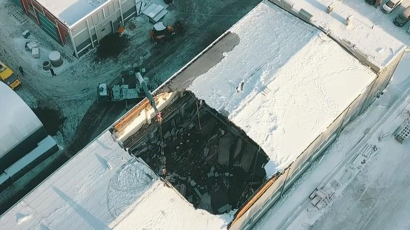 Сотрудница фирмы прокомментировала обрушение кровли здания в Дзержинском