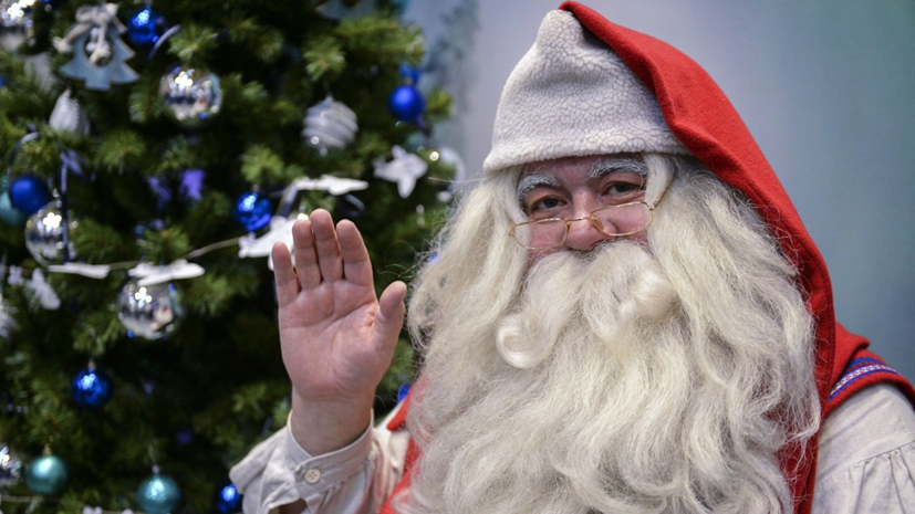 Санта-Клаус намерен вручить подарки Путину и Трампу