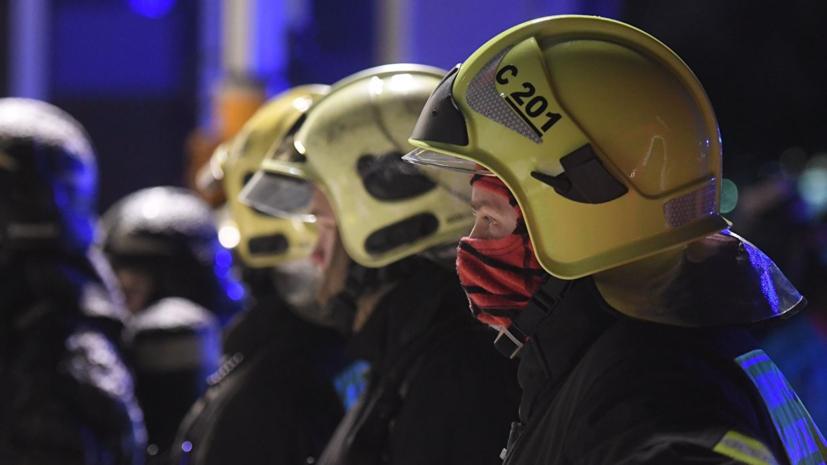 СМИ: Площадь пожара на предприятии в Москве составила 100 квадратных метров