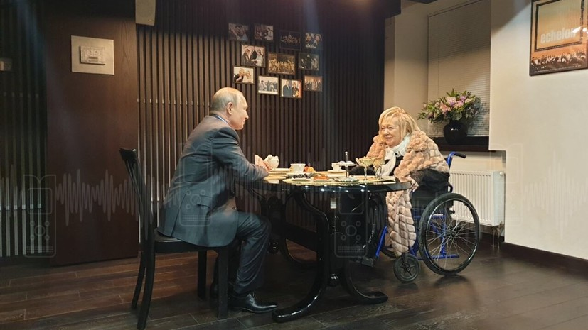 Путин лично поздравил Галину Волчек с 85-летием