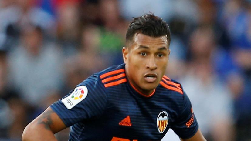 СМИ: «Барселона» договорилась о трансфере защитника «Валенсии»