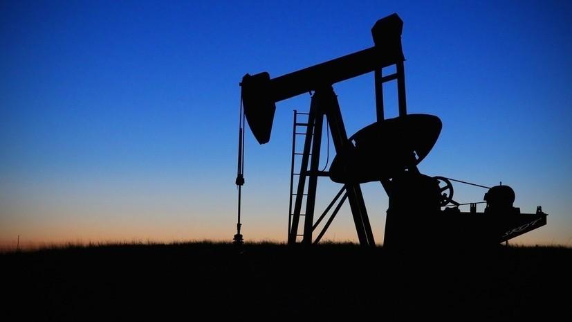 Цена на нефть марки Brent упала ниже $54