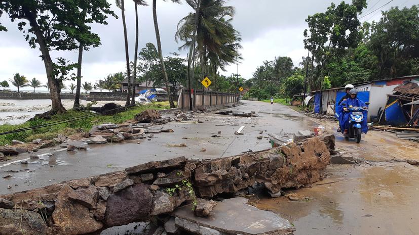 Жителей Индонезии предупредили об угрозе второго цунами