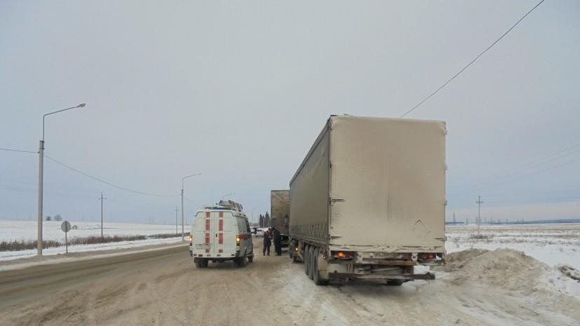 В ДТП с участием маршрутки и грузовика в Удмуртии пострадали восемь человек