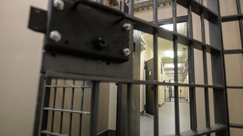 Путин подписал законы о противодействии распространению экстремизма в тюрьмах