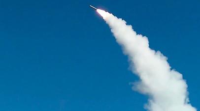 Запуск крылатой ракеты 9М728 (Р-500) ракетного комплекса «Искандер-М» на полигоне Капустин Яр, апрель 2016 года