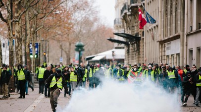 Акции протеста «жёлтых жилетов» в Париже