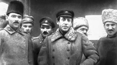 Главный атаман Директории Украинской Народной Республики Симон Петлюра со своим штабом