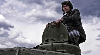 Кадр из фильма «Т-34»